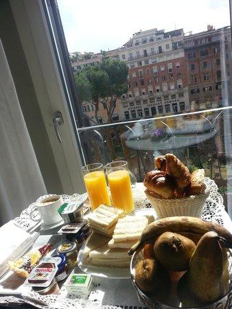 Torre Argentina Relais: Pequeno Almoço