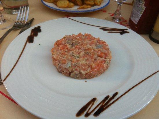 L'Atlas: Le tartare de saumon, juste avant sa disparition. Un délice!
