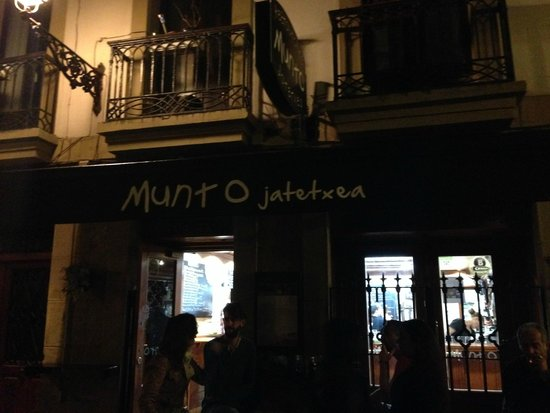 Bar Restaurante Munto : Exterior