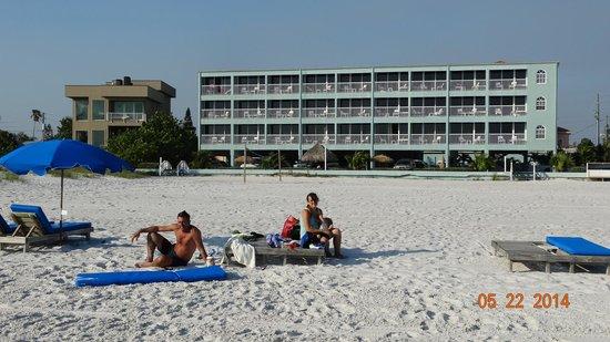 Barefoot Beach Hotel: vista hotel desde la playa