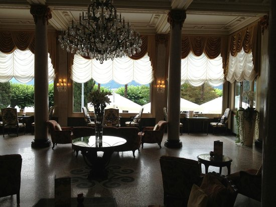 Hotel Splendide Royal: Main lobby/ parlor