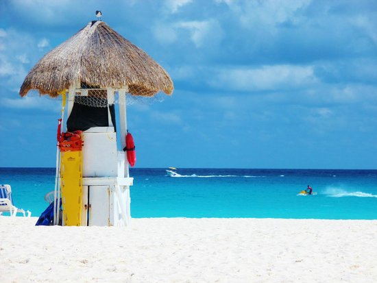Grand Park Royal Cancun Caribe: Beach.
