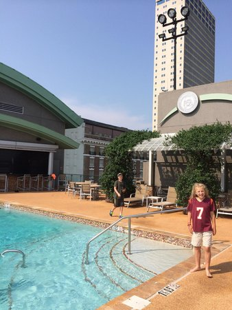 The Battle House Renaissance Mobile Hotel Spa Roof Top Pool And