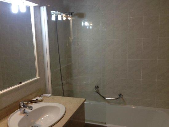 Hotel El Corregidor: Bathroom