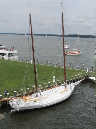 Chesapeake Bay Maritime Museum: Sailboats of past generations