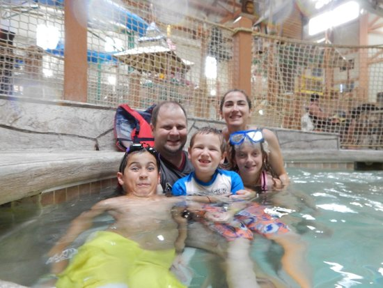 Great Wolf Lodge Waterpark : Family Fun!