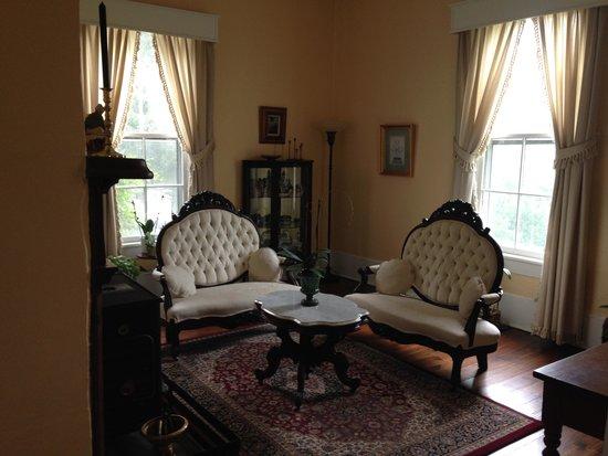 Key Falls Inn : Sitting Room