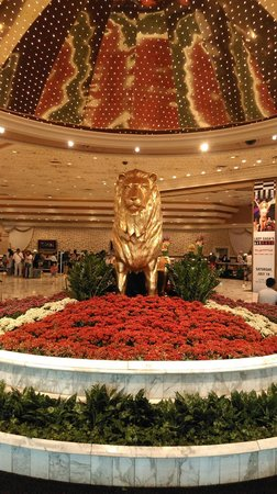 MGM Grand Hotel and Casino : That famous lion