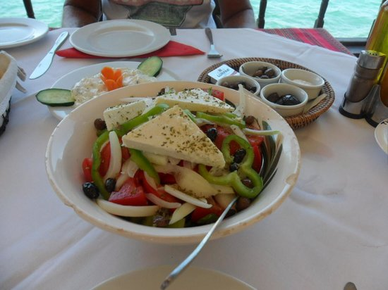 Milos Apartments : Lunch at Olondi