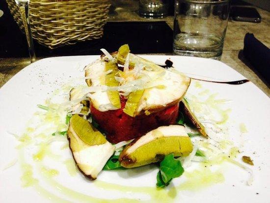 Zaporea Smart Gourmet: tartare di manzo con mela verde e salsa ai lamponi,