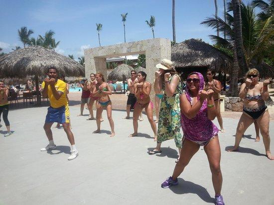 Iberostar Punta Cana: Buenísimas clases de Zumba con el equipo de Animación.