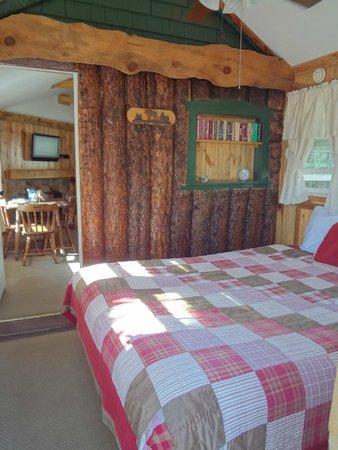Colorado Cottages: bedroom