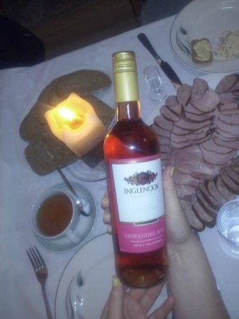 Inglenook Cafe & Restaurant: wine and polish kiełbasa wiejska