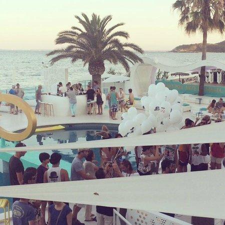 Santos Ibiza Coast Suites: PARTY!