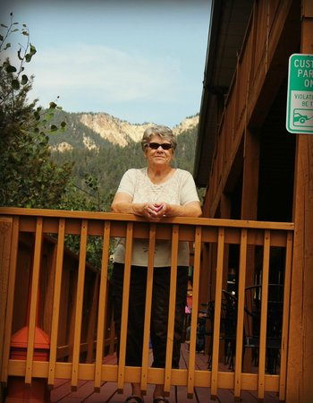 Best Western Rivers Edge: mountain view