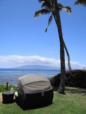 Hyatt Regency Maui Resort and Spa: Cabanahhhh!