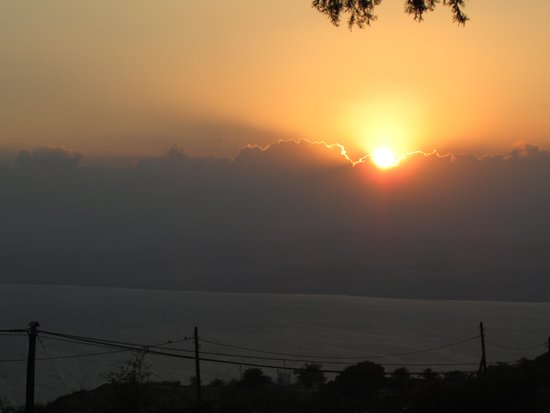 Golan Rooms At Sagi Family Country Lodging : Sunset view from cabin #6