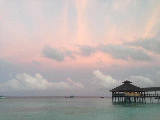 Reethi Beach Resort: beautiful sky