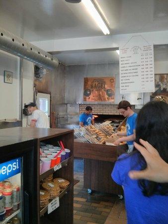 Local Montréal Visites Gourmandes : St-Viateur Bagels