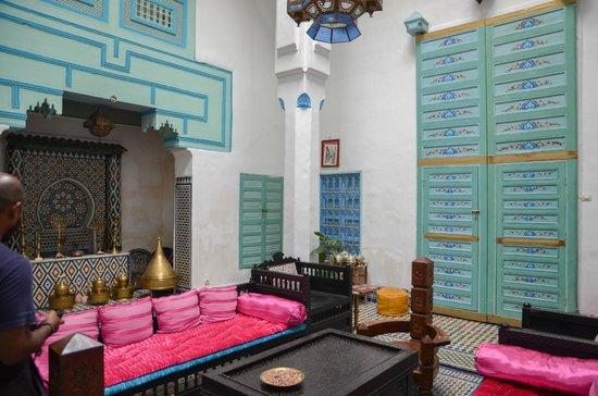 Riad Amazigh Meknes: communal sitting area