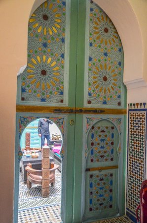Riad Amazigh Meknes: Door to our room looking out to communal area