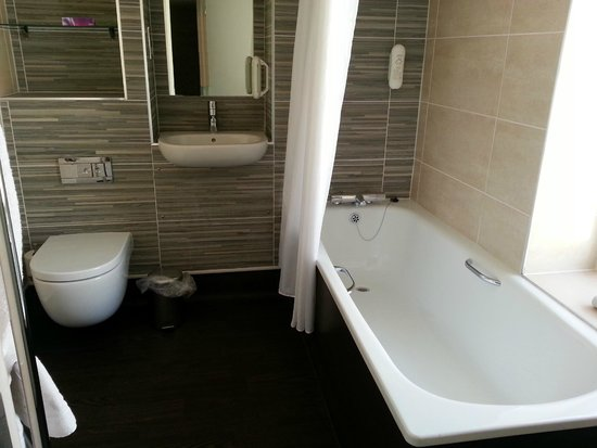 The Wyndham Arms: Picture of bathroom