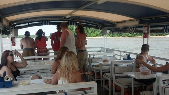 M/V Bay Breeze : Booze Cruise on the C&D Canal
