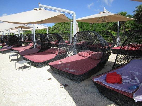 Paradisus Playa Del Carmen La Esmeralda: Beach Beds