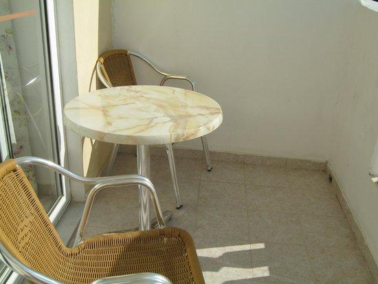 Iatridis Studios: Balcony