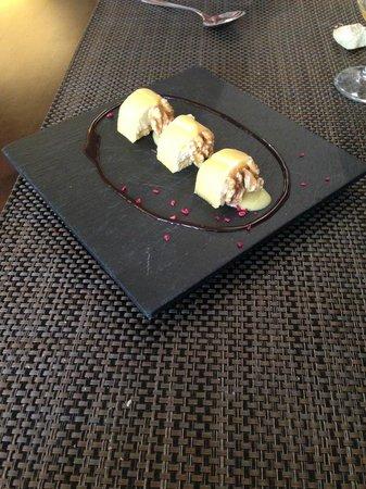 Restaurante Tapería Yuste: Candón de queso idiazábal con crema, nueces y membrillo
