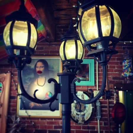 Scrummy Afters Candy Shoppe: Gaslight district