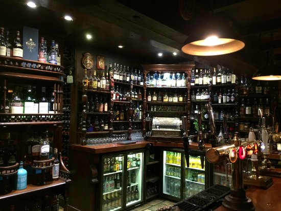 The George Hotel: les whiskys du pub