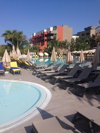 Roca Nivaria GH - Adrian Hoteles : empty pools even though the hotel was full