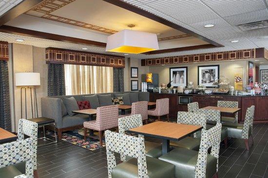 Hampton Inn Seymour: Lobby