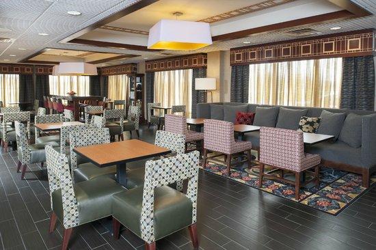 Hampton Inn Seymour: Seating Area