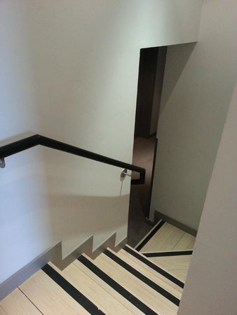 The Morrison, a DoubleTree by Hilton Hotel: Private Stairway to Room