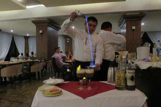 Moon Palace Cancun: Victor creating a Mayan Coffee