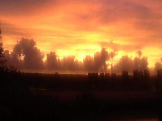 Doubletree Suites by Hilton Naples: Sunset as seen from our balcony