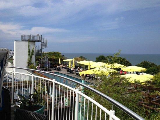 Maritim Hotel Kaiserhof Heringsdorf: Außenpool aus Zimmersicht