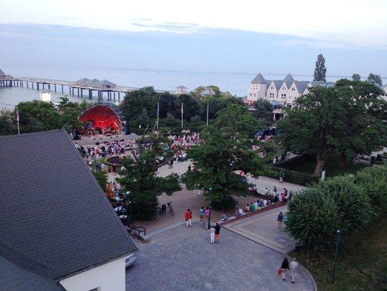 Maritim Hotel Kaiserhof Heringsdorf: Konzert aus Zimmersicht