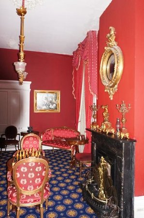 Cedar Grove Mansion Inn & Restaurant: Antebelleum Rooms