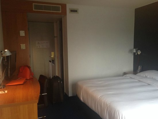 Inntel Hotels Rotterdam Centre: Room