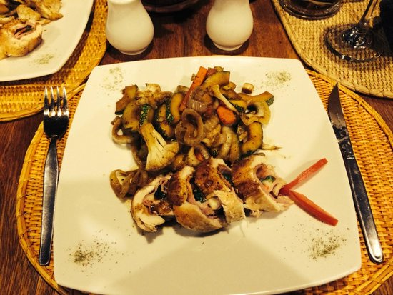 Sacred Dreams Lodge: Chicken dish