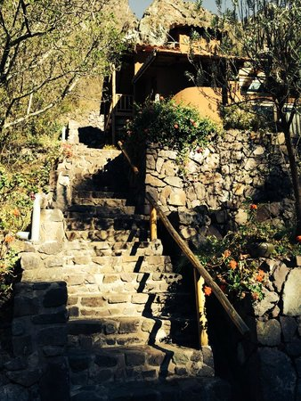 Sacred Dreams Lodge: Main steps up to our suite