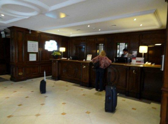 Holiday Inn Guildford: Checkin