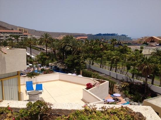 Hotel Best Tenerife: lovely views, see how big the suite balconies are