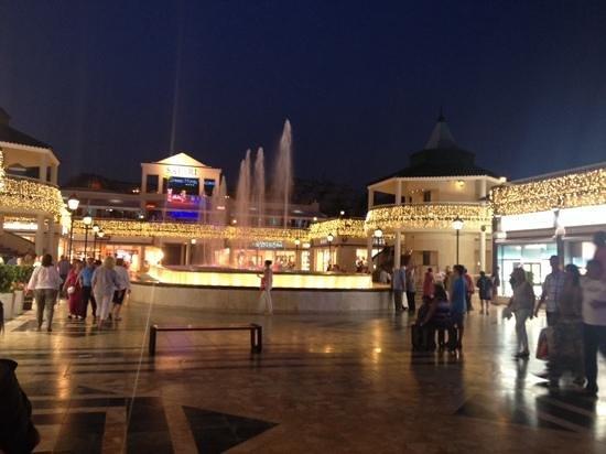 Light and Music Fountain : wonderful