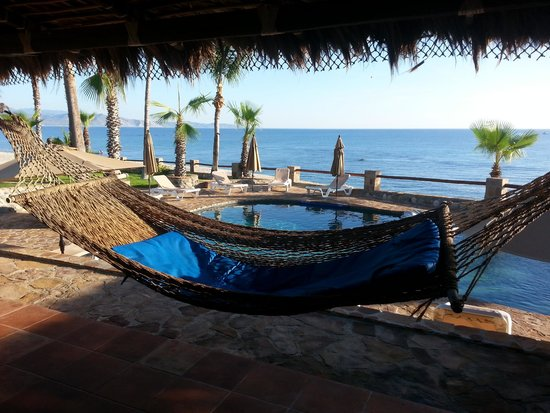 Rancho Leonero Resort: view from the pool