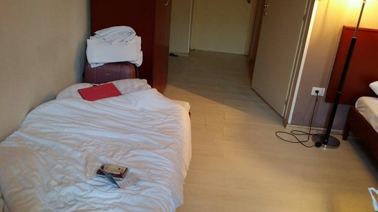 PLUS Berlin : The 3rd bed