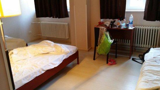 PLUS Berlin : Room picture